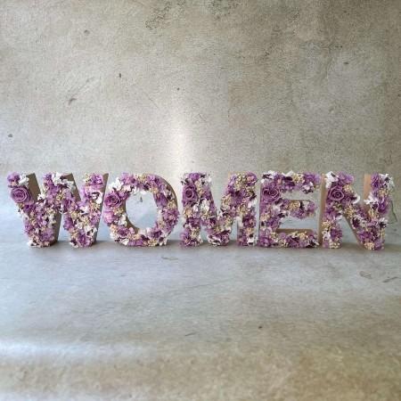 LETRA FLORES PRESERVADAS WOMEN