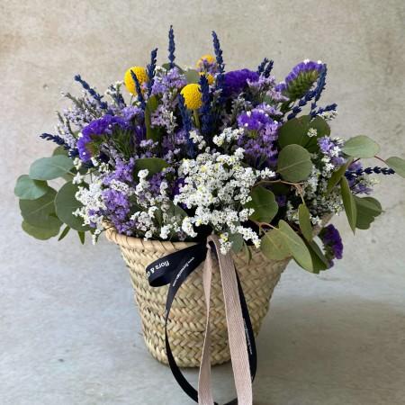 Cesta flores de temporada
