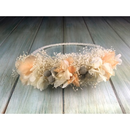 Coronita de flores preservadas ocre