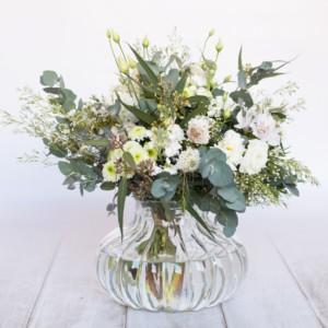 Ramo de flores de temporada - Tonos blancos