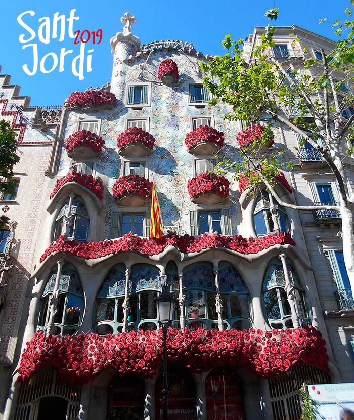 La Rosa De Sant Jordi La Leyenda En La Casa Batlló Flors Go